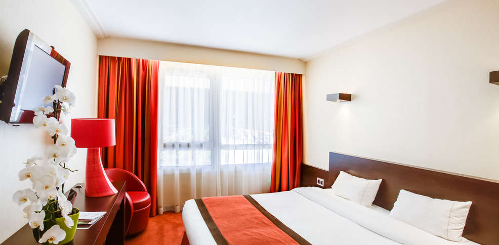 H tel et spa du b ryl bagnoles de l 39 orne h tel de for Chambre hotel reservation