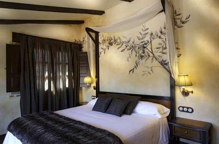 Escapada romántica en loft con spa y cena cerca del Alto Tajo en Guadalajara (desde 2 noches)