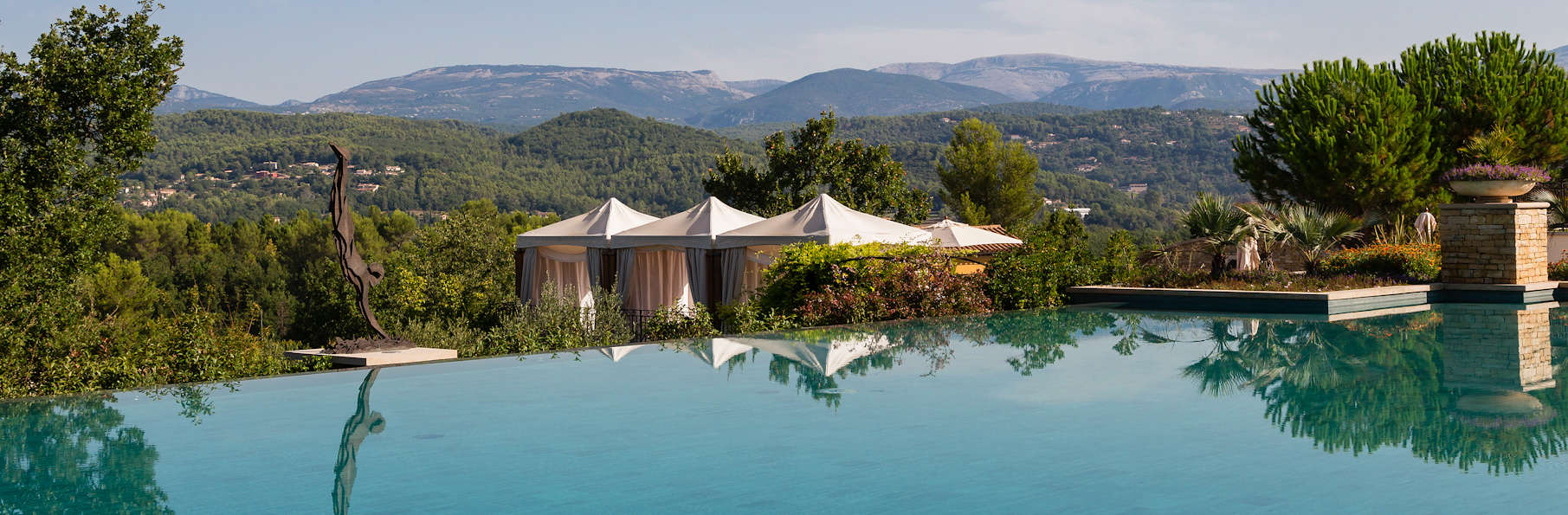 Terre blanche h tel spa golf resort h tel de charme for Reservation hotel paca