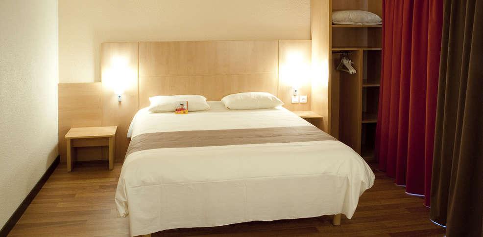 h tel ibis rennes beaulieu h tel de charme cesson s vign. Black Bedroom Furniture Sets. Home Design Ideas