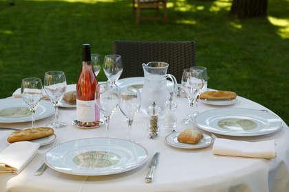 Week end romantique perpignan avec ap ritif de bienvenue pour 2 adultes partir de 115 - Jardin romantique nuit perpignan ...
