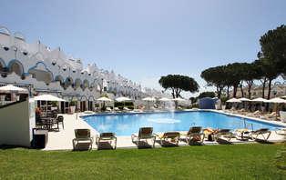 Mini Vacaciones con media pensión, apartamento y niño gratis en Marbella (desde 3 noches)
