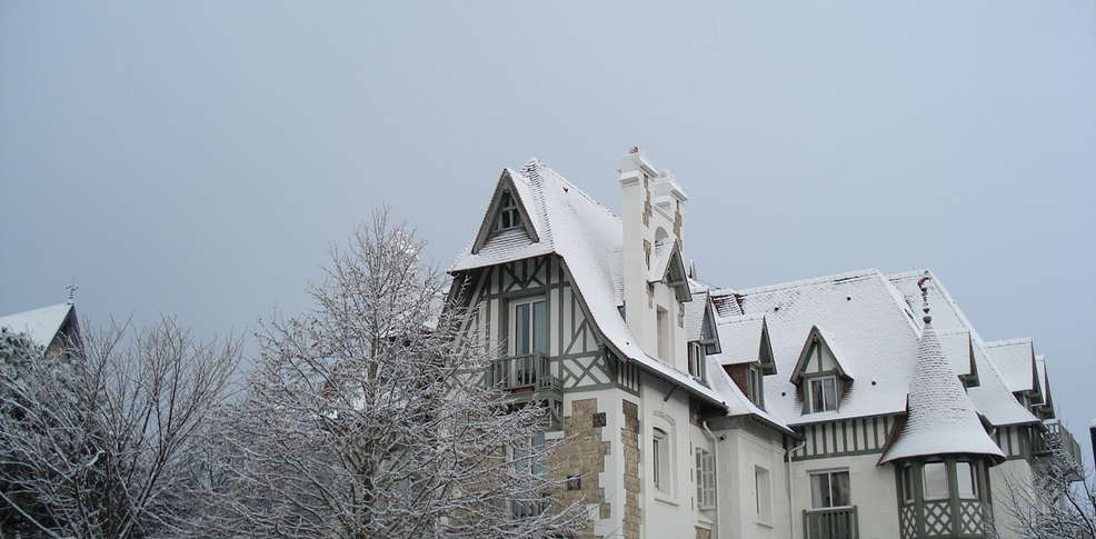 Baño Turco Diferencia Sauna:Hôtel Augeval, Hotel Deauville (14)