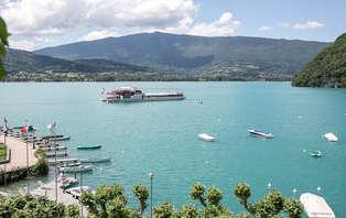 Week-end romantique avec champagne au bord du lac d'Annecy