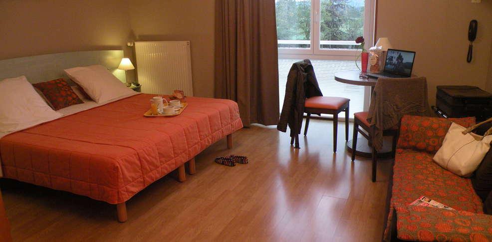 Week end bien tre cordes sur ciel avec 1 cadeau gourmand - Hotel avec jacuzzi dans la chambre midi pyrenees ...