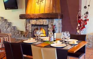 Escapada con cena gastronómica en la Costa Vasca