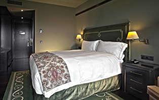 Descuento Inteligente: Escapada con desayuno en Castillo de Gorraiz Hotel Golf & Spa