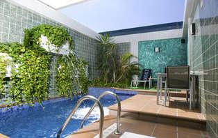 Escapada con cena romántica y piscina climatizada privada en Alcalá de Henares (Adults Only)