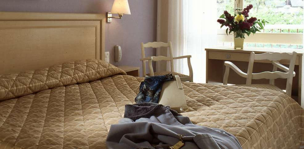 Bagnoles hotel charmehotel bagnoles de l 39 orne - Chambre thema parijs ...