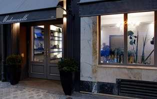 Offre spéciale : Dîner en brasserie et nuit dans un établissement avec SPA au cœur de Paris