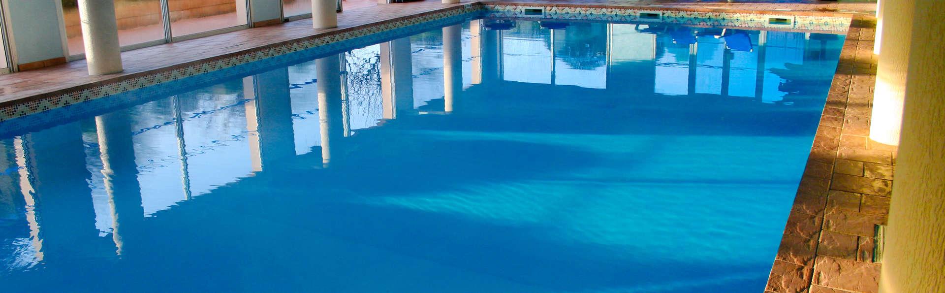 Week end de charme quiberon avec acc s la piscine for Piscine quiberon