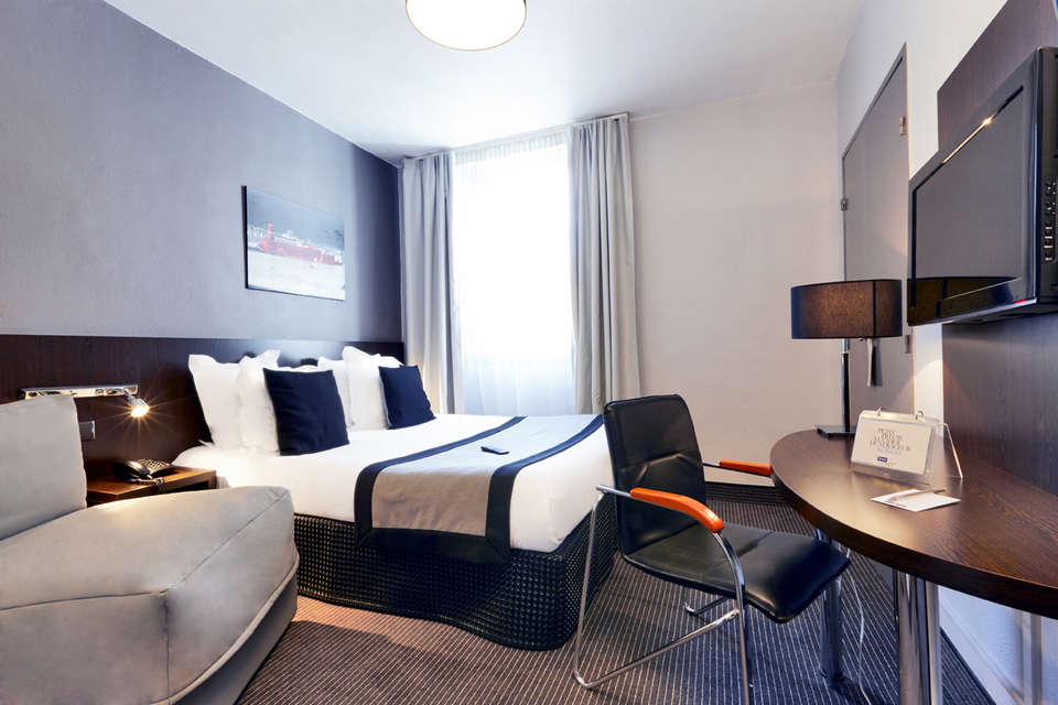 week end romantique marseille avec 1 demi bouteille de champagne partir de 87. Black Bedroom Furniture Sets. Home Design Ideas