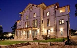 Oferta en Salamanca: Disfruta de una cena gastronómica en un Palacio de lujo (Desde 2 noches)