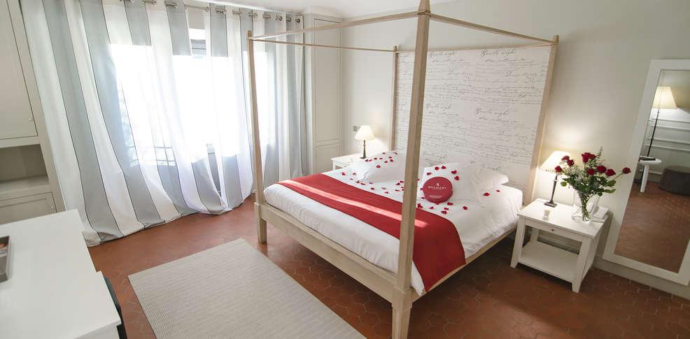 Chambre romantique paca avec des id es for Hotel design paca