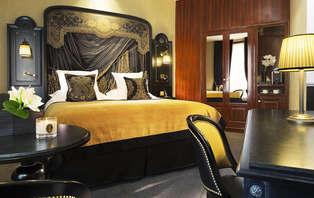 Week-end en chambre deluxe au coeur de Paris à proximité de l'Arc de Triomphe