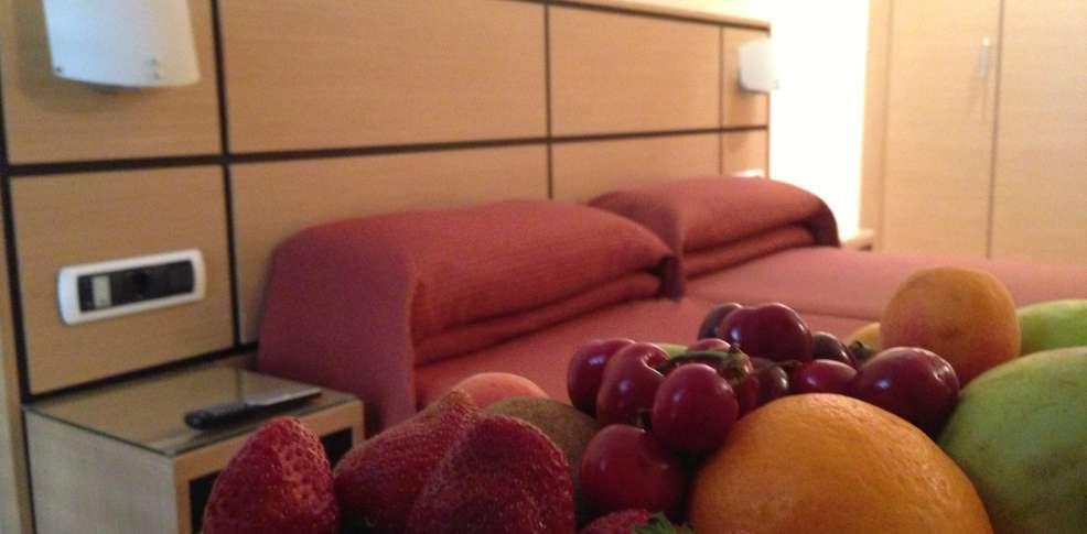 hotel dona lola en: