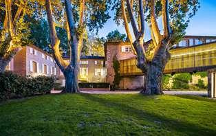 Escapade Romantique avec dîner dans un Moulin du XVIIe siècle entre Avignon et Aix-en-Provence