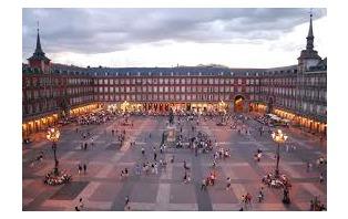 Escapada con tour a pie y con cena en el centro de Madrid (desde 2 noches)