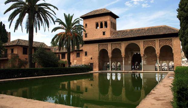 Escapada con visita a la Alhambra, descubre la auténtica Granada en Weekendesk por 106.00€