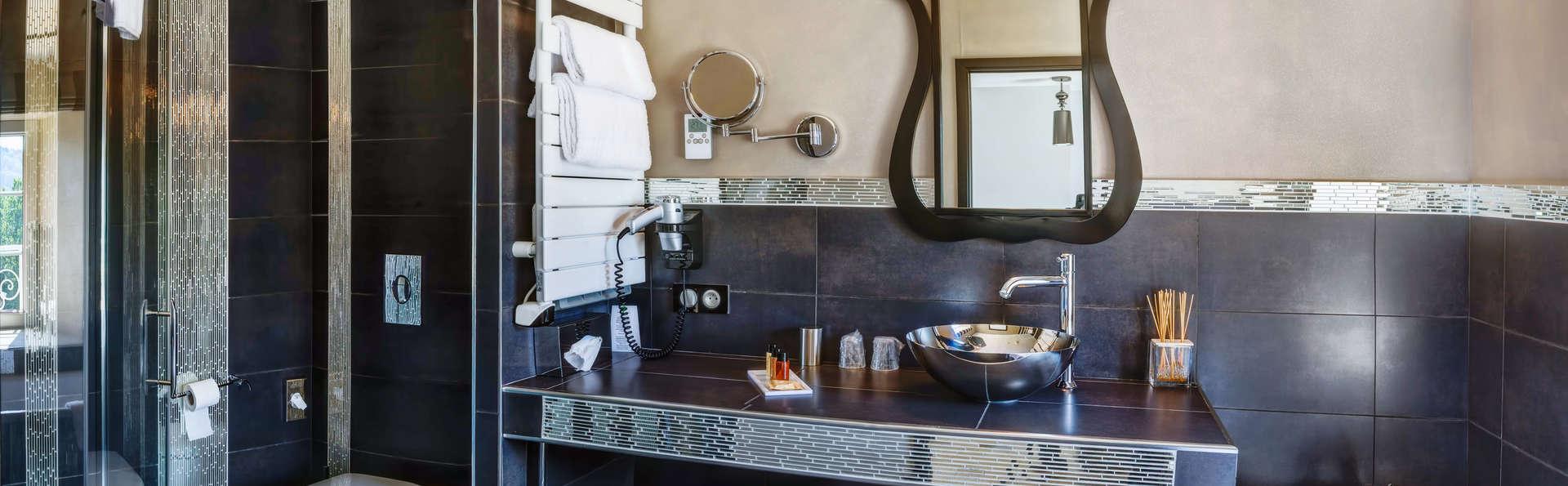 h tel relais du silence ch teau de la falque h tel de charme saint geniez d 39 olt. Black Bedroom Furniture Sets. Home Design Ideas