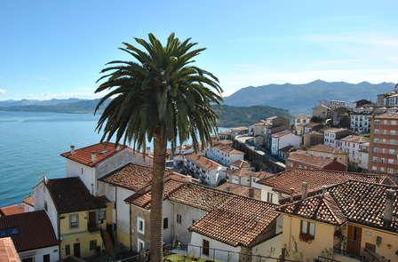 Lugares con Encanto: Escapada Romántica junto al mar en Lastres