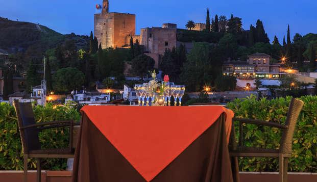 Especial Weekendesk: Descubre las Maravillas de Granada con Cena Romántica (2 noches) en Weekendesk por 100.00€
