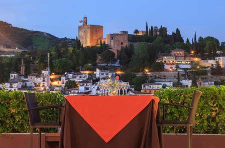 Especial Terrazas: Granada de postal con cóctel para una velada inolvidable delante la Alhambra