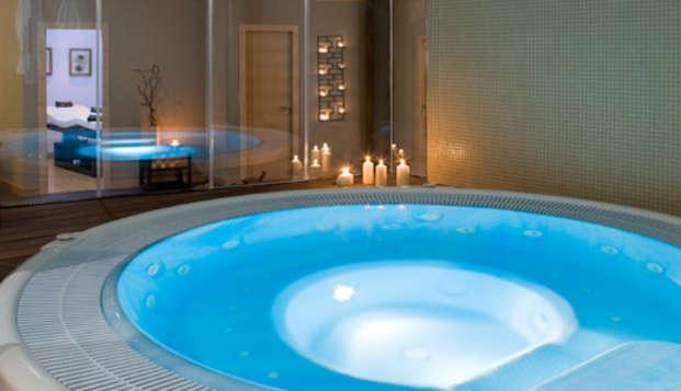 Escapada Romántica con sesión de spa privado en Gijón en Weekendesk por 98.00€