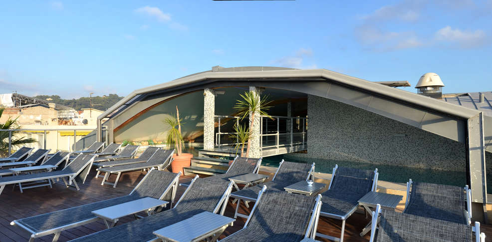 H tel goldstar resort suites h tel de charme nice for Hotel piscine nice