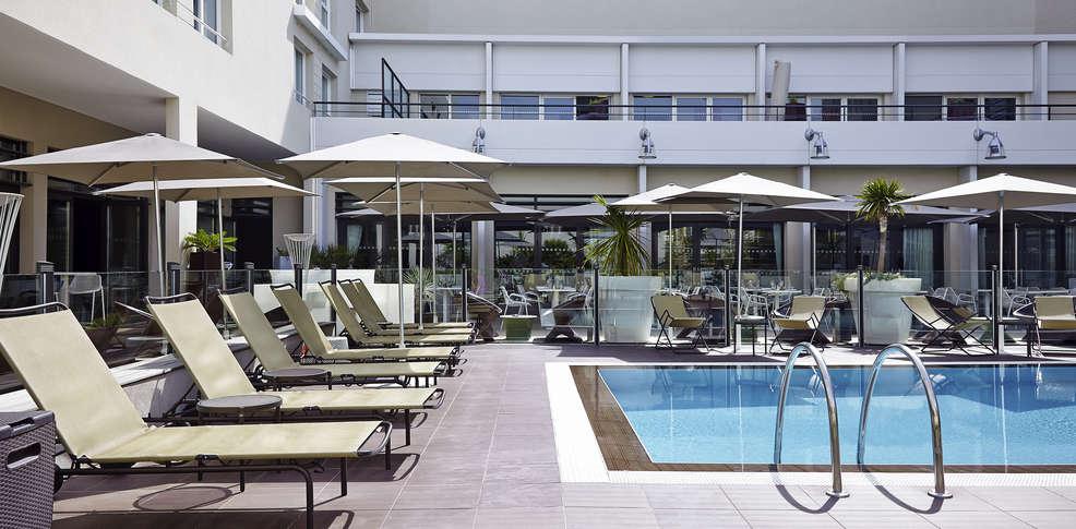 H tel novotel avignon centre h tel de charme avignon 84 for Hotel avignon piscine