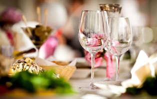 Offre spéciale Saint-Valentin : Week-end avec dîner, champagne et surprise romantique