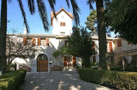 Enamórate en un hotel rural cerca de la playa de Alicante