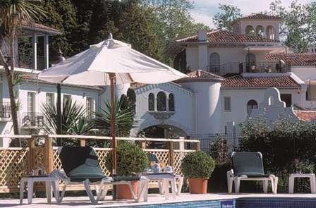Offre spéciale 2 nuits : Week-end détente et spa dans un château***** à côté de Biarritz