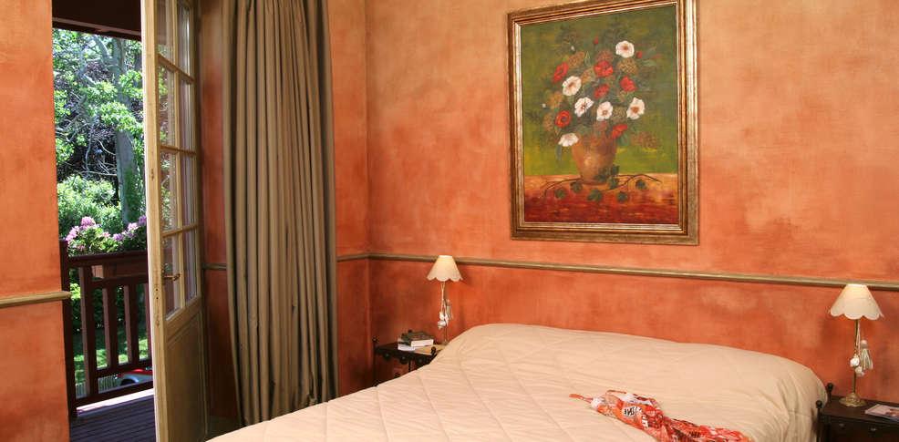 Hotel villa catarie charmehotel gu thary - Chambre thema parijs ...