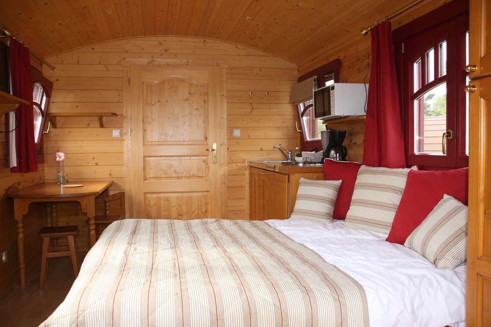 Week end d tente moins de 119 salins avec 1 acc s au sauna pour 2 adultes - Le domaine des tuileries ...