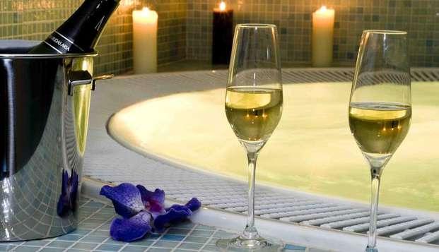 Escapada romántica con botella de cava y acceso al jacuzzi en Madrid en Weekendesk por 94.00€