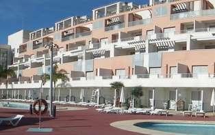 Escapada Día de Andalucía en las Playas de Vera en Media Pensión