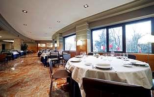Offre exclusive : luxe et gastronomie en plein centre de Pamplona