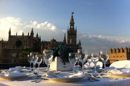 Oferta Especial: Descubre Sevilla con cena y vistas a La Alameda