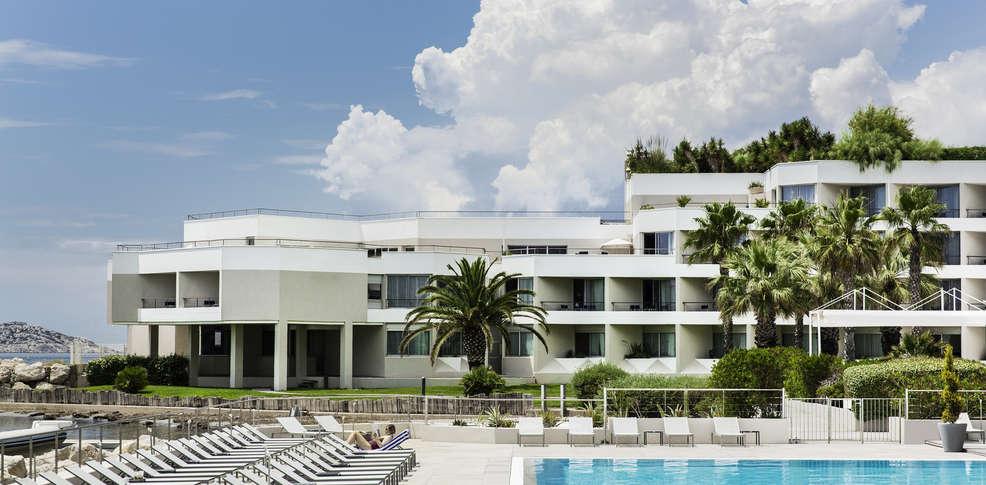 H tel pullman marseille palm beach h tel de charme marseille for Reservation hotel pas chere
