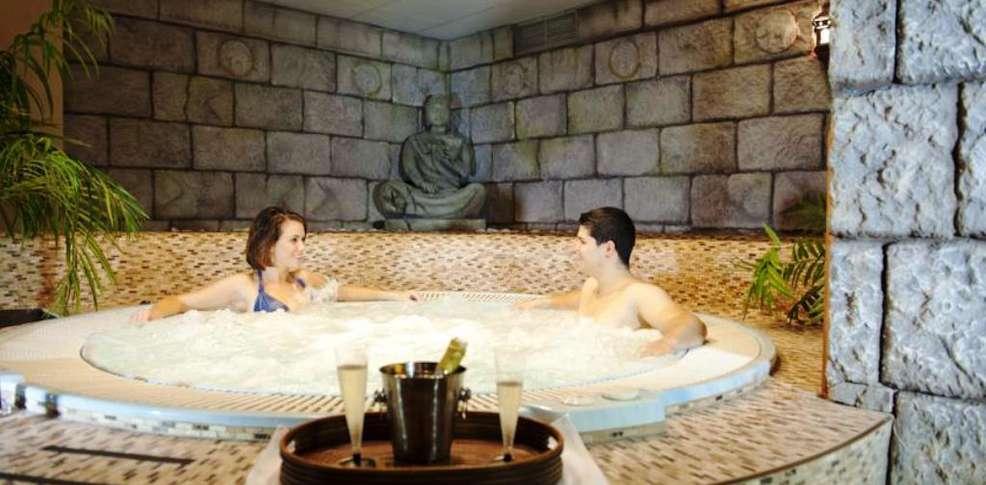 week end c diz week end romantique avec spa priv cadix. Black Bedroom Furniture Sets. Home Design Ideas