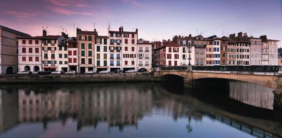 Styles Bayonne 1 Place De La République Bayonne Bayonne France Fr Europe