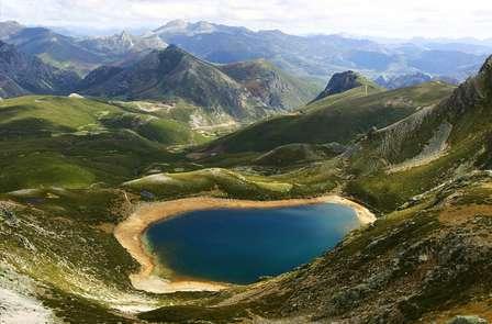 Asturias inolvidable: Escapada romántica en un 4**** en los Picos de Europa