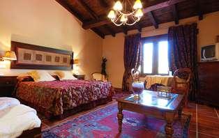 Oferta Exclusiva: Escapada Romántica en habitación Suite en la provincia de Cáceres