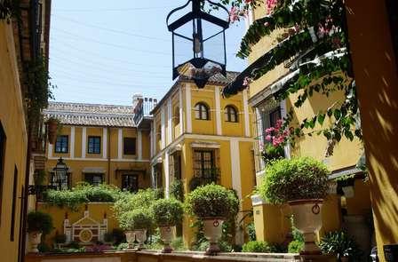 Escapada con cena y acceso al spa rodeado de encanto en Sevilla