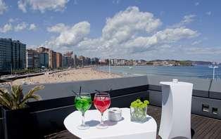 Escapada romántica y relax en la playa de de San Lorenzo de Gijón