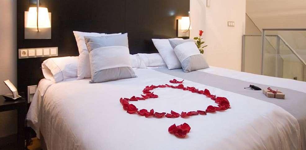 Hotel boutique spa adealba hotel m rida - Noche romantica en casa ideas ...
