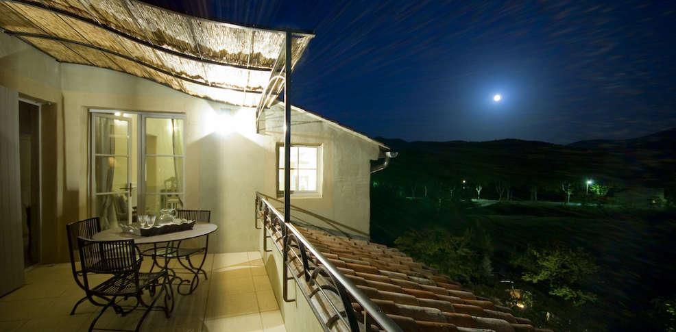 hotel le couvent d 39 h r pian hotel h r pian 34. Black Bedroom Furniture Sets. Home Design Ideas