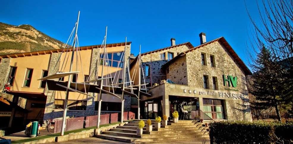 Gran hotel benasque spa h tel de charme benasque for Booking benasque