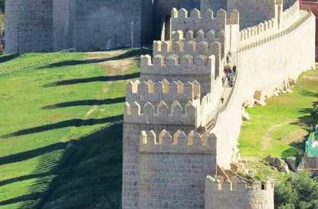 Escapada Romántica: Descubre Ávila, la ciudad amurallada